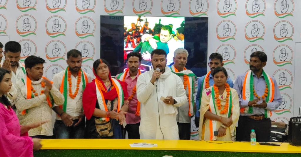 भाजपा अपने कार्यकर्ताओं का शोषण करती है।